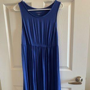 Dresses & Skirts - Blue sleeveless maternity dress.